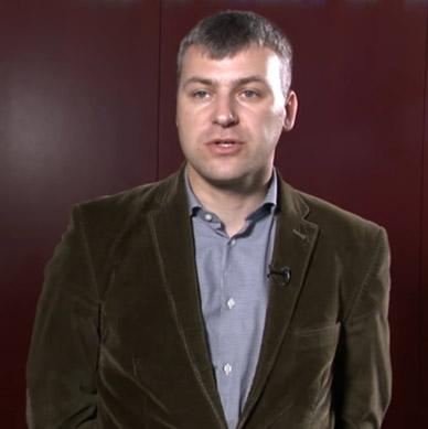 Adam Piotrowski, Vigo System